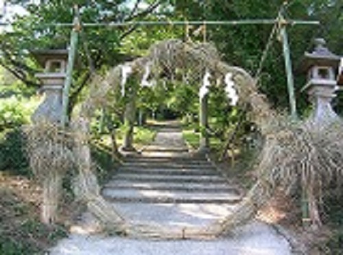 夏越しの大祓式・茅の輪くぐり