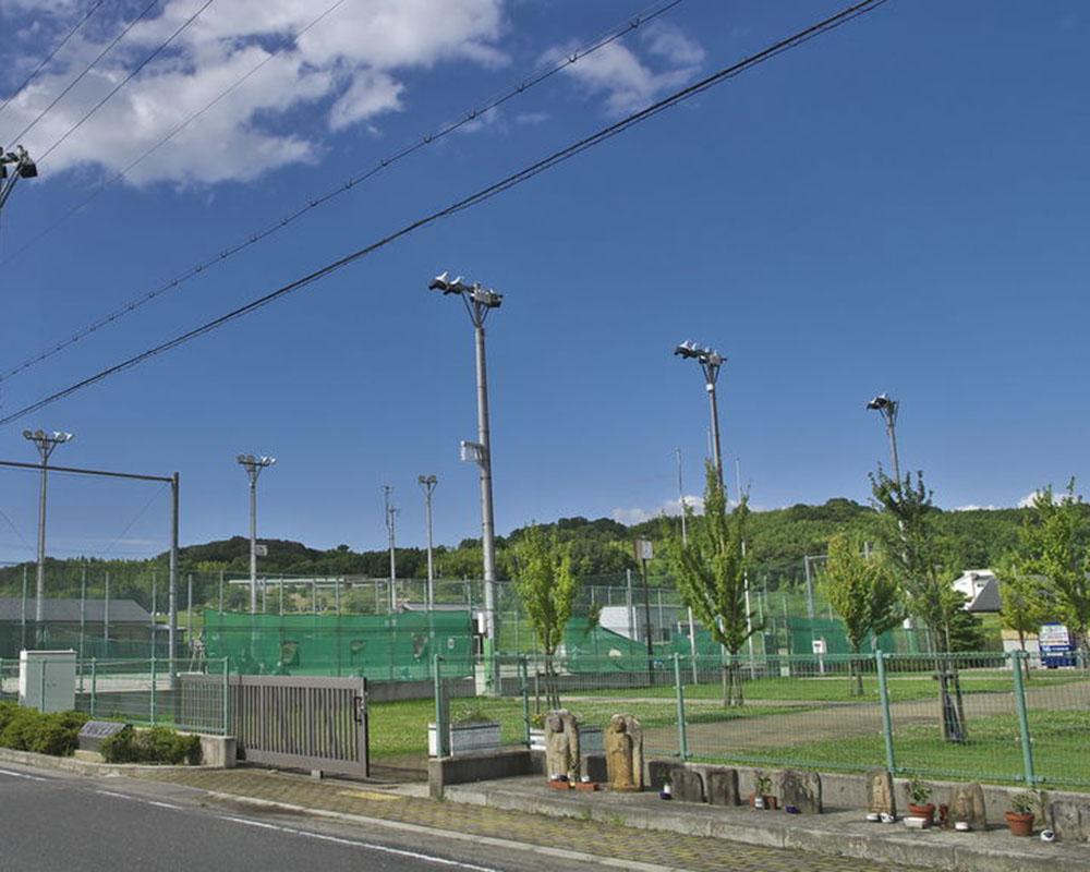 上狛駅東公園テニスコート